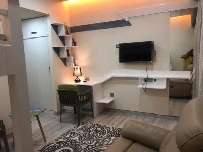 Gallery Cover Image of 4200 Sq.ft 4 BHK Apartment for rent in Lodha World Towers, Lower Parel for 300000