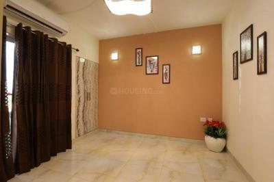 Gallery Cover Image of 920 Sq.ft 2 BHK Apartment for buy in SKA Metro Ville, Eta II for 3000000