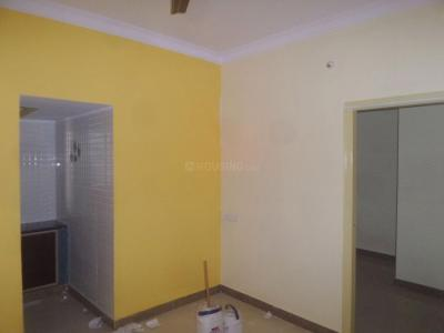 Gallery Cover Image of 500 Sq.ft 1 BHK Apartment for rent in Hebbal for 8000