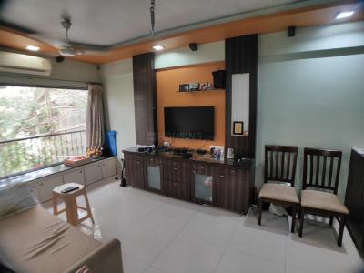Gallery Cover Image of 750 Sq.ft 1 BHK Apartment for rent in Prabhadevi for 60000