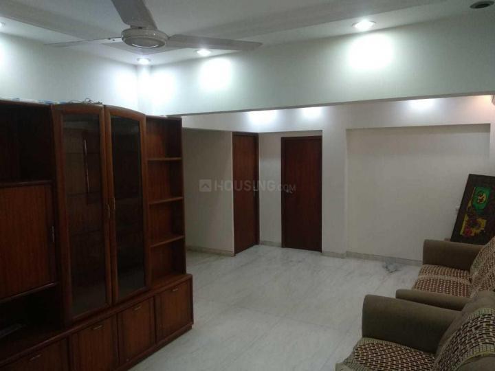 ठाणे वेस्ट में सिंह रियल्टी में लिविंग रूम की तस्वीर