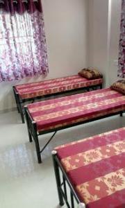 Bedroom Image of New Royal Gents PG in Ejipura