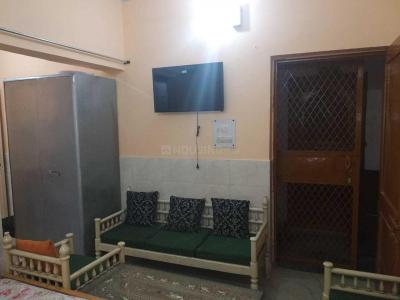 Gallery Cover Image of 300 Sq.ft 1 BHK Apartment for rent in Sector 16B Dwarka for 9500