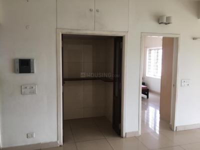 Gallery Cover Image of 900 Sq.ft 2 BHK Apartment for rent in Manapakkam for 15000