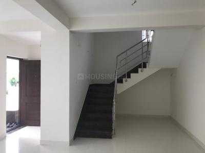 Gallery Cover Image of 1900 Sq.ft 3 BHK Villa for rent in Perungalathur for 30000