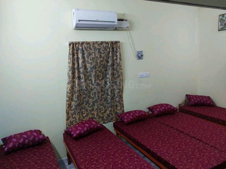 Bedroom Image of Boys PG in Tharamani