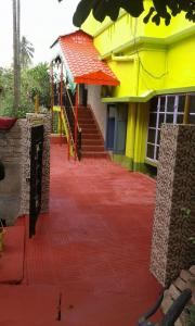 Gallery Cover Image of 1000 Sq.ft 2 BHK Independent House for rent in Agarpara for 6500