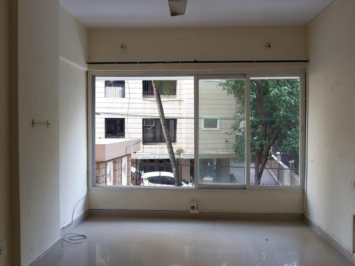 Living Room Image of 700 Sq.ft 1 BHK Apartment for rent in Bandra West for 60000
