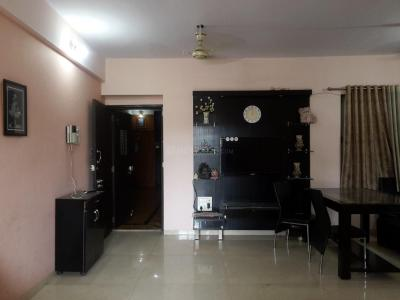 Gallery Cover Image of 1030 Sq.ft 2 BHK Apartment for rent in Thane West for 25000