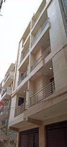 Gallery Cover Image of 500 Sq.ft 2 BHK Independent Floor for buy in Dwarka Mor for 2400000