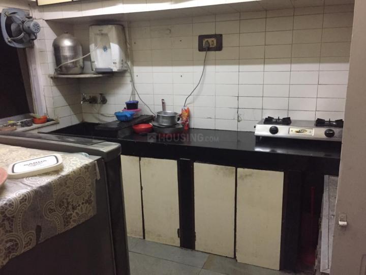 बांद्रा वेस्ट में ऑप योको सिज्ज्लेर्स ऑन हिल रोड के किचन की तस्वीर