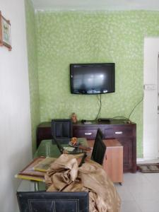 Gallery Cover Image of 1200 Sq.ft 1 BHK Apartment for rent in Viman Nagar for 28000