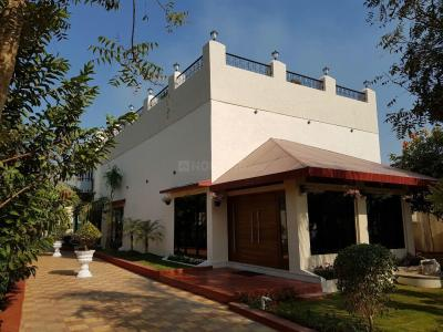 Gallery Cover Image of 3000 Sq.ft 5 BHK Villa for buy in Malad West for 220000000