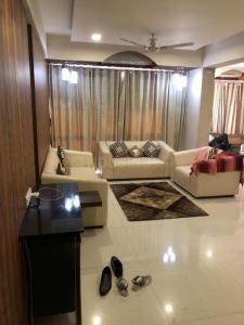 Gallery Cover Image of 2250 Sq.ft 3 BHK Apartment for buy in Sahajanand Upscale, Vastrapur for 16500000