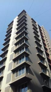 Gallery Cover Image of 1900 Sq.ft 3 BHK Apartment for rent in Juhu for 135000