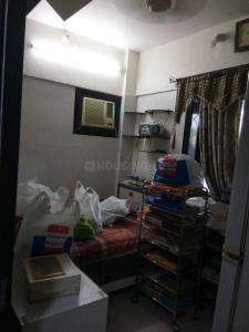 Gallery Cover Image of 460 Sq.ft 1 BHK Apartment for rent in Santacruz East for 35000