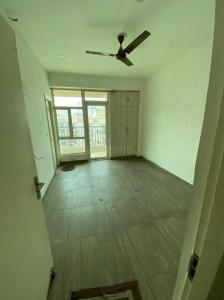 Gallery Cover Image of 1320 Sq.ft 3 BHK Apartment for rent in Gaur City 2,12th avenue, Noida Extension for 11500