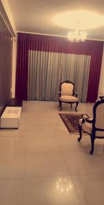 Gallery Cover Image of 1450 Sq.ft 3 BHK Apartment for rent in Vasanth Nagar for 65000