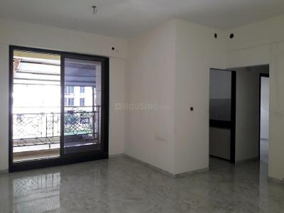 Gallery Cover Image of 890 Sq.ft 2 BHK Apartment for buy in Thane West for 10400000