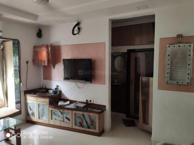 Gallery Cover Image of 675 Sq.ft 2 BHK Apartment for rent in Goregaon West for 38000