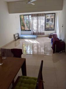 Gallery Cover Image of 1300 Sq.ft 3 BHK Apartment for buy in Sangeeta Apartment, Khar Danda for 37000000