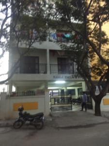 Gallery Cover Image of 1400 Sq.ft 2 BHK Independent Floor for rent in Kalyan Nagar for 25000