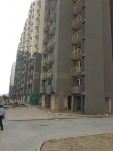 Gallery Cover Image of 585 Sq.ft 1 BHK Apartment for rent in Wave City for 5000