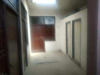 Gallery Cover Image of 400 Sq.ft 1 RK Independent Floor for rent in Noida Extension for 3500