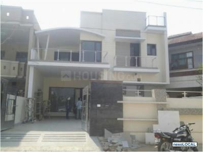 Gallery Cover Image of 798 Sq.ft 1 BHK Independent House for rent in Sector 17 for 14000