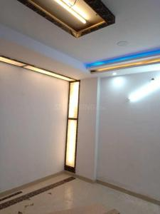 Gallery Cover Image of 800 Sq.ft 3 BHK Independent Floor for buy in Dwarka Mor for 4100000