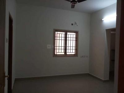 Gallery Cover Image of 870 Sq.ft 2 BHK Apartment for rent in Ramapuram for 15000