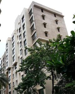 Gallery Cover Image of 1300 Sq.ft 3 BHK Apartment for buy in Mulund East for 21000000