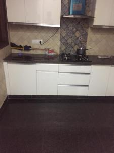 Gallery Cover Image of 1050 Sq.ft 2 BHK Apartment for rent in Mahim for 70000