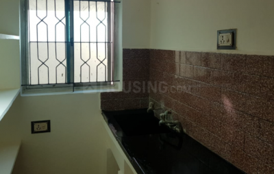 Gallery Cover Image of 405 Sq.ft 1 BHK Apartment for buy in  Srivari Apartments, Velachery for 2100000