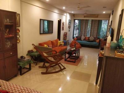Gallery Cover Image of 700 Sq.ft 1 BHK Apartment for rent in Mooncraft Apartment, Bandra West for 68000
