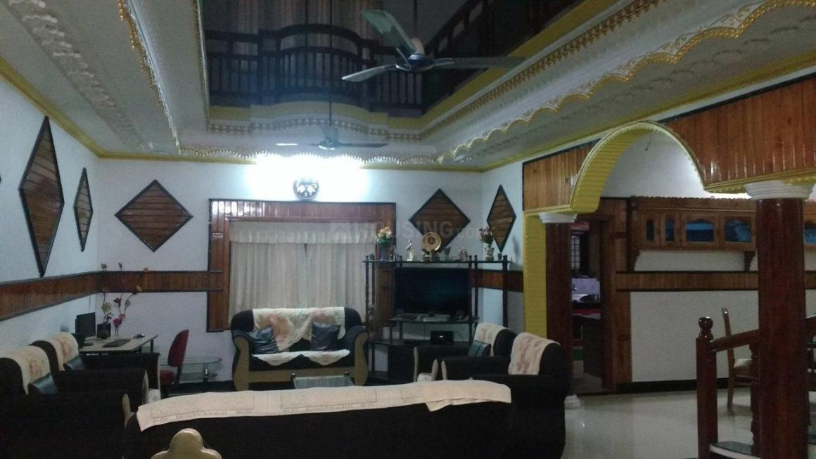 Living Room Image of 6000 Sq.ft 5+ BHK Independent House for buy in Mannanthala for 45000000