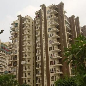 Gallery Cover Image of 1851 Sq.ft 3 BHK Apartment for buy in Oxirich Square One, Ahinsa Khand for 10000000