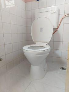 Bathroom Image of Male Room Mate in Aundh