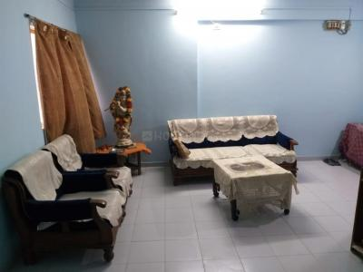 Gallery Cover Image of 1350 Sq.ft 3 BHK Apartment for rent in Sarjan Tower, Memnagar for 16000