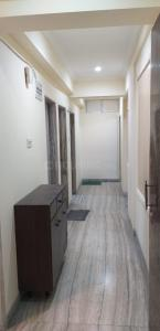 Gallery Cover Image of 1000 Sq.ft 2 BHK Apartment for rent in Kedarnath, Khar West for 60000