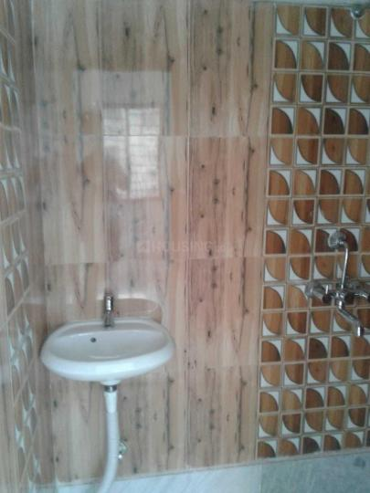 Common Bathroom Image of 1300 Sq.ft 3 BHK Apartment for rent in Beliaghata for 33000