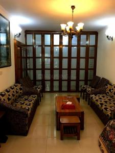 Gallery Cover Image of 2000 Sq.ft 3 BHK Apartment for buy in DDA D3 and D4 Vasant Kunj, Vasant Kunj for 32500000