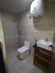 Bathroom Image of Stanza Boys PG Life Walking Aaft Institute in Sector 16A