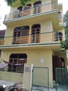 Gallery Cover Image of 620 Sq.ft 2 BHK Independent Floor for rent in Beta I Greater Noida for 8000