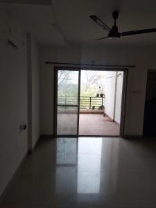 Gallery Cover Image of 1650 Sq.ft 3 BHK Apartment for rent in Mundhwa for 30000