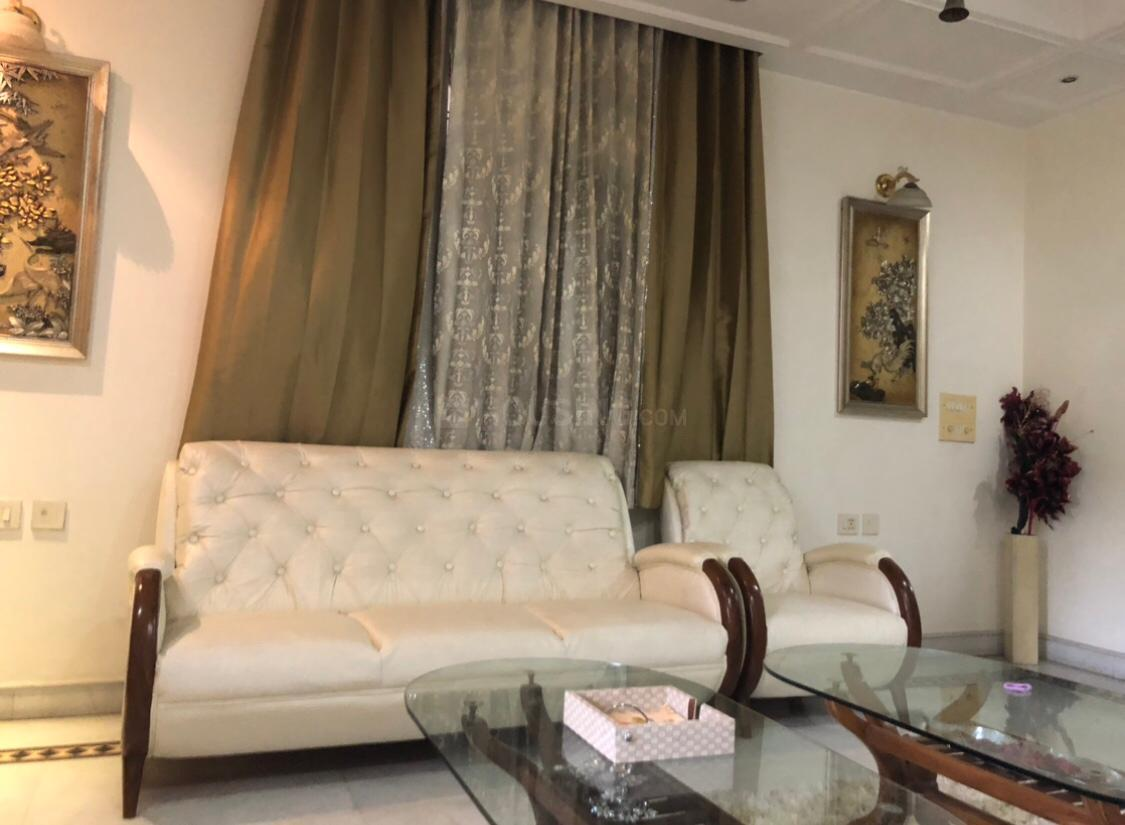 Living Room Image of Girls PG in Model Town