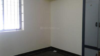 Gallery Cover Image of 1200 Sq.ft 3 BHK Independent House for rent in Velachery for 19000