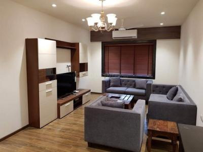 Gallery Cover Image of 800 Sq.ft 1 BHK Apartment for rent in Bandra West for 90000