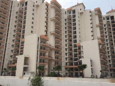 Gallery Cover Image of 1805 Sq.ft 3 BHK Apartment for rent in Spaze Privvy The Address, Sector 93 for 18000