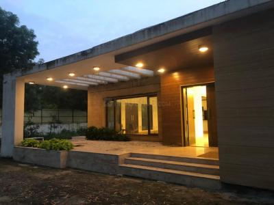 Gallery Cover Image of 7000 Sq.ft 3 BHK Independent House for buy in Sainik Farm for 70000000